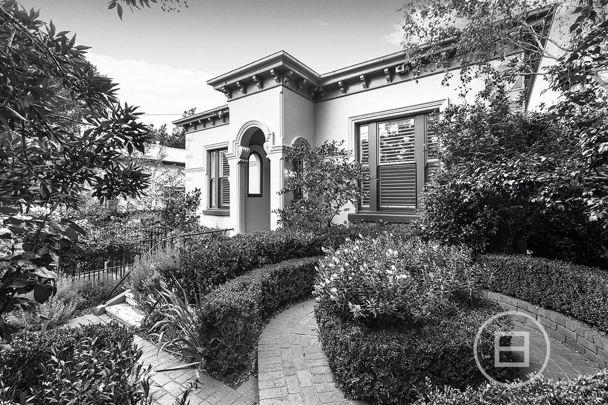 14 Canterbury Road, TOORAK 3142