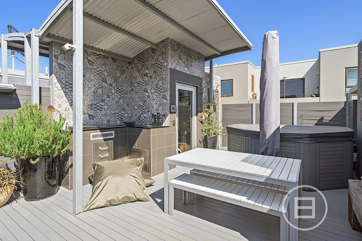 4 Sugar Lane, PORT MELBOURNE 3207